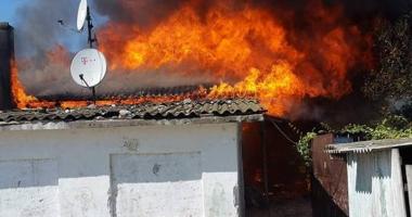 Opt copii din Constanţa au rămas  fără casă, înainte de începerea şcolii