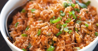 Azi gătim orezul  în stil chinezesc