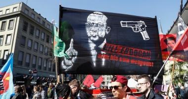 Organizatorii  unei manifestaţii anti-Erdogan,  scoşi de sub acuzare