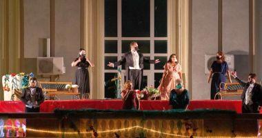 """Spectacolul """"O sole mio"""", pe scena Teatrului """"Oleg Danovski"""""""