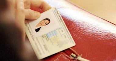 Cartea electronică de identitate va înlocui cardul de sănătate. Când vor fi emise noile buletine cu cip