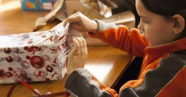 Ce vor conţine pachetele oferite copiilor din Constanţa