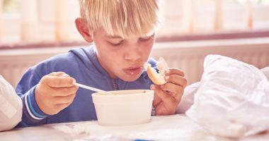 """""""Pâine şi Mâine"""". 1.256 de copii din 31 de sate beneficiază zilnic de after-school și o masă caldă"""