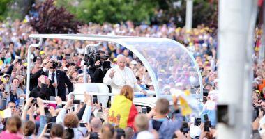 Papa Francisc, întâmpinat la Blaj. A început slujba de beatificare a celor șapte episcopi-martiri