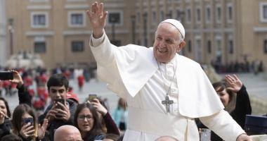 """""""Dacă nu mă însor cu tine, mă fac preot"""" / 10 lucruri pe care nu le ştiai despre Papa Francisc"""