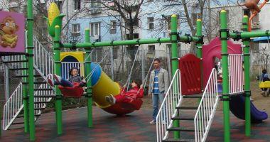 Locuri de joacă pentru copiii din Constanţa, în curs de amenajare