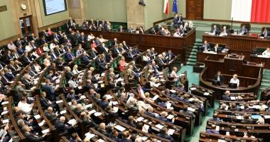 Parlamentul polonez va evalua compensaţiile de război cerute Germaniei