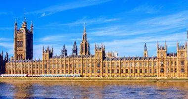Parlamentul britanic va dezbate pe 1 aprilie petiţia populară de anulare a Brexit-ului