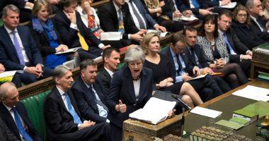 Parlamentarii britanici au respins din nou variante mai puţin dure ale retragerii din UE