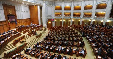 Moțiunea de cenzură inițiată de PNL,  USR și PMP, depusă la Parlament