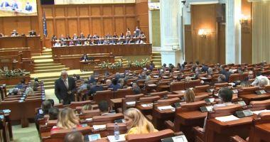"""Moţiunea de cenzură """"Ajunge! Guvernul Dragnea - Dăncilă, ruşinea României!"""" a picat"""