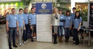 """Participare de succes a studenţilor şagunişti la târgul de turism """"Vacanţa"""""""