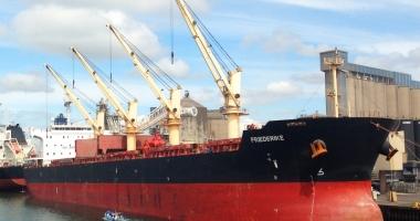 Patru nigerieni emigranţi au terorizat echipajul unei nave