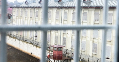 Protecţia personalului din închisori, o glumă sinistră?