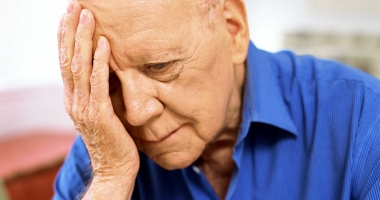 Vai de bătrâneţile lor! Au pensiile schilodite de popriri