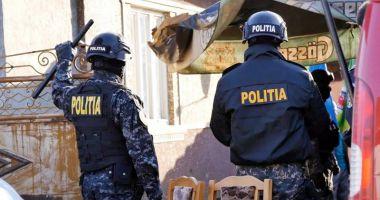 Două persoane arestate în urma unor percheziții