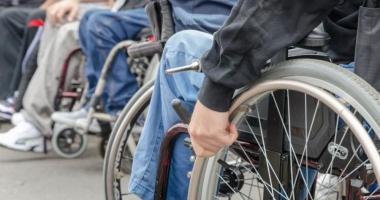 E VREMEA FAPTELOR BUNE! Daruri pentru persoanele cu dizabilități