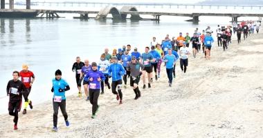 Peste 1.000 de constănţeni participă la Crosul Mării Negre