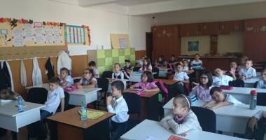 """Peste 400 de elevi  la Concursul Gazetei  de matematică """"Gheorghe Ţiţeica"""""""