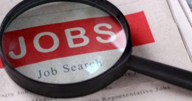 Peste jumătate dintre români și-ar dori să lucreze în străinătate
