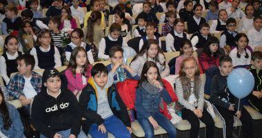 """Peter Pan își dă întâlnire cu copiii la teatrul """"Căluțul de Mare"""""""