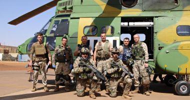 Familiile militarilor care se întorc din Mali au lansat o petiție: Izolare la domiciliu, nu carantină!