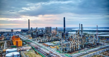 Petromidia îşi întrerupe activitatea de producţie între 1 martie şi 8 aprilie 2013