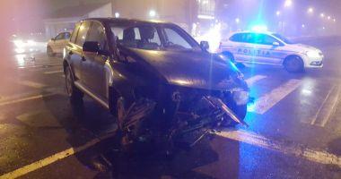 GALERIE FOTO / Accident rutier pe bulevardul I.C.Brătianu. Două persoane au fost rănite