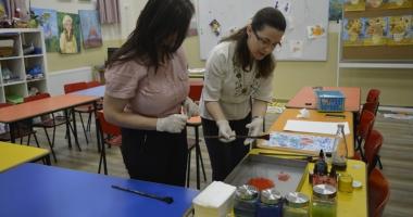 Muzeul de Istorie organizează  atelier de pictură pentru nevăzători