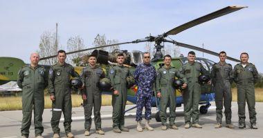 A doua serie de piloți-marinari începe instrucția în zbor