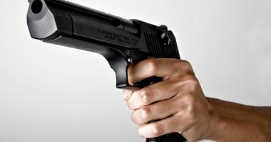 Crainicul şi directorul unui post de radio au fost ucişi în direct