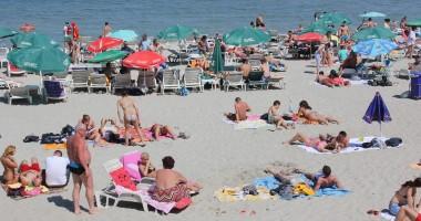 Câţi turişti spune Direcţia de Statistică Constanţa că au ajuns pe litoral