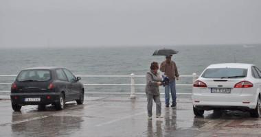Vreme închisă şi răcoare, în week-end, pe litoral