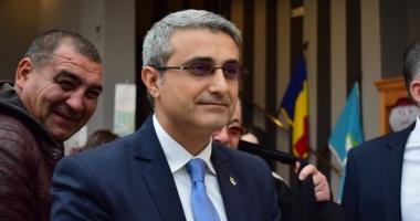 Deputatul  Robert Turcescu propune înfiinţarea Registrului Naţional al Lucrărilor  de Doctorat
