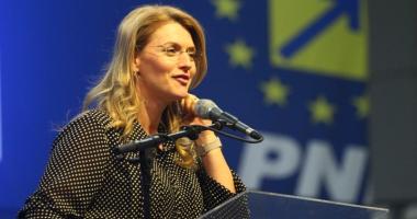 Liberala  Alina Gorghiu:  PNL ar putea depune moţiune  de cenzură