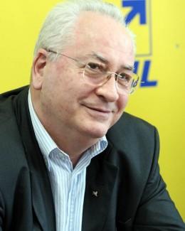 Puiu Haşotti, singurul ministru favorizat de Victor Ponta