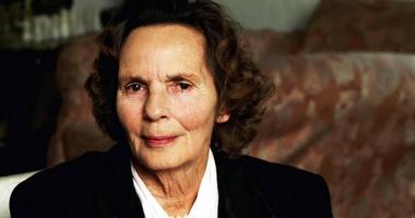 Carte  de condoleanţe  în memoria  Reginei Ana  la sediul PNŢCD Constanţa