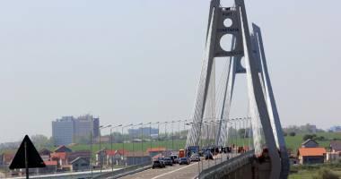 Noul pod de la Agigea  a intrat iarăşi în lucrări.  Când va fi dat în folosinţă