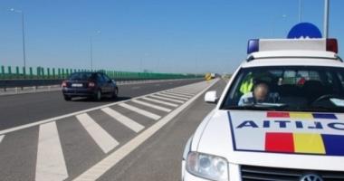 Proxenet condamnat la închisoare, prins de poliţişti pe Autostrada Soarelui
