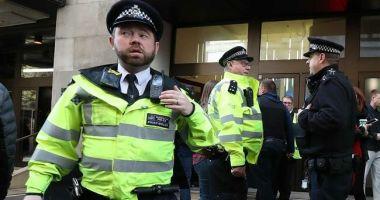 Poliţia britanică a deschis focul asupra unui vehicul care a intrat în maşina ambasadorului Ucrainei