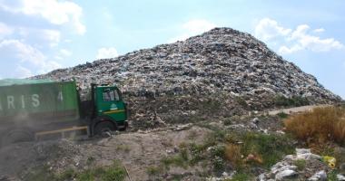Poliţia locală va supraveghea depozitele de deşeuri