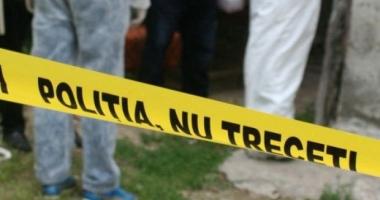 CAZ DEOSEBIT DE GRAV! Copil găsit în pădure, legat de un copac, tăiat pe tot corpul de tatăl său