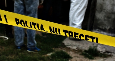 Femeie înjunghiată în plină stradă! Atacatorul, imobilizat de un poliţist aflat în trecere