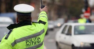 Beat şi fără permis de conducere, implicat într-un accident, pe strada Poporului