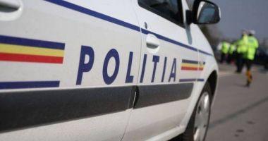 Copil de 15 ani, prins la furat de haine, dintr-un mall din Constanţa