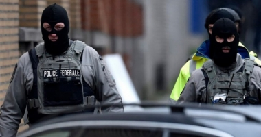 ALERTĂ în Franţa! Sute de persoane EVACUATE, după descoperirea unei maşini cu 5 butelii de gaz
