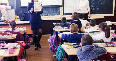 Poliţiştii constănţeni, lecţii deschise alături de elevi