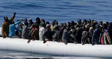 Poliţiştii de frontieră români au salvat peste 50 de persoane, în Marea Egee