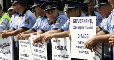 Poliţiştii ies din nou în stradă şi pun