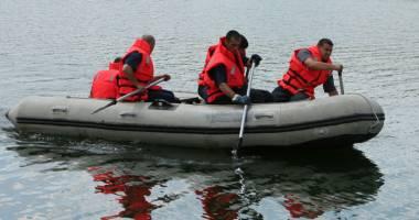 Interven�ie �n Portul Constan�a. B�rbat scos din apa m�rii